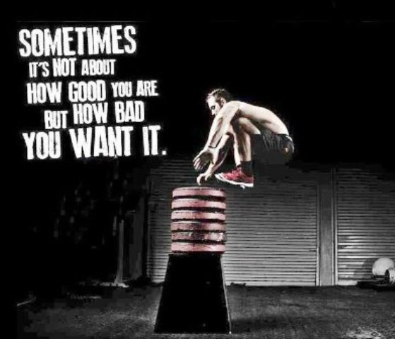 when is the best time in the day to workout? a motivational picture of a man doing crossfit and a written motivational message