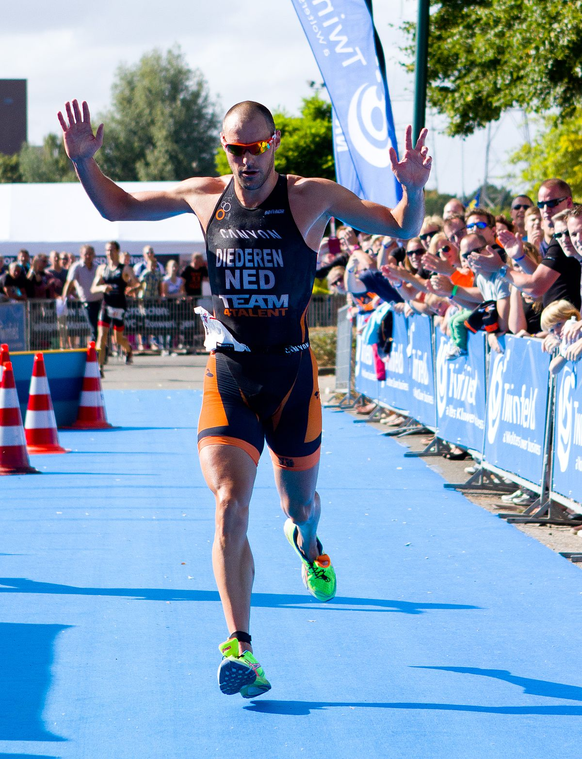 best advice for triathlon, a man running to finish the race